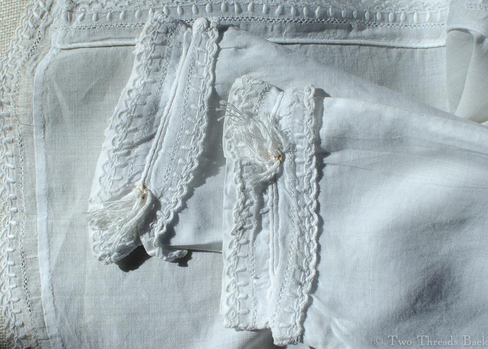 Infant sacque, cuffs