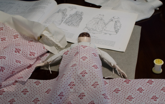 You wouldn't know that I took a dressmaking workshop at Williamsburg once upon a time. The nicest memory I have of it is their relaxed attitude toward mistakes. Yaroo! as Flavia De Luce would say!